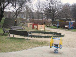 plac zabaw wykorzystywany przez przedszkole